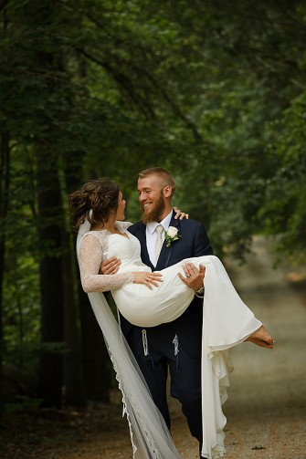 Ottawa wedding photographers - Eva Hadhazy wedding photographer. Romantic, natural, and candid wedding photography