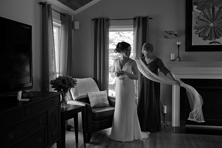 Ottawa wedding photographers - Eva Hadhazy wedding photographer . Romantic, natural and candid wedding photography.